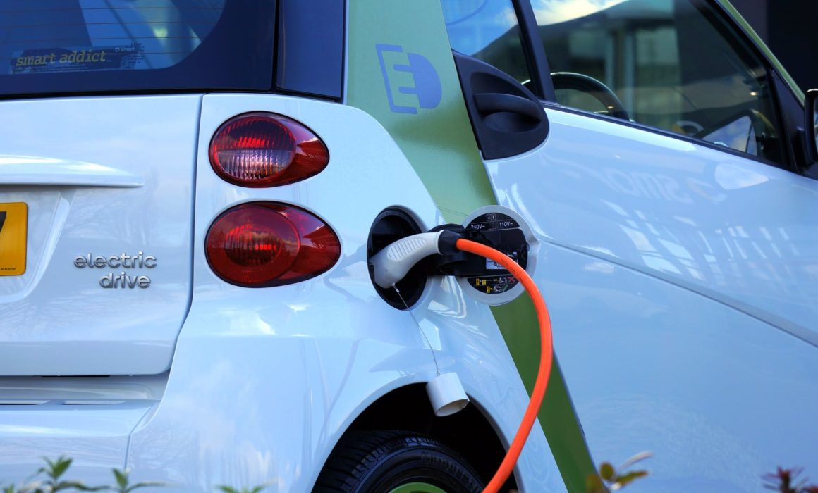 l'entretien d'une voiture électrique vs un véhicule thermique